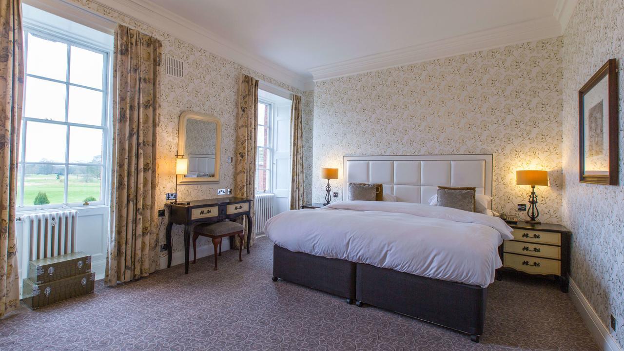 Mottram Hall bedroom